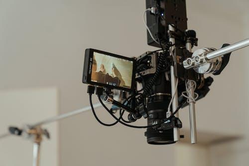 Foto stok gratis alat, dalam ruangan, di belakang panggung
