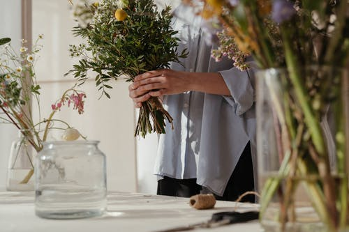 Photos gratuites de belle fleur, bocal en verre, bouquet