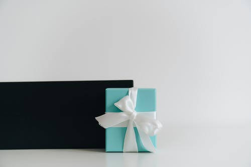 Photos gratuites de arrière-plan blanc, boîte, cadeau