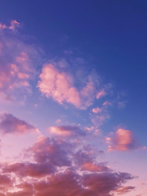 akşam karanlığı, atmosfer, bulut görünümü içeren Ücretsiz stok fotoğraf