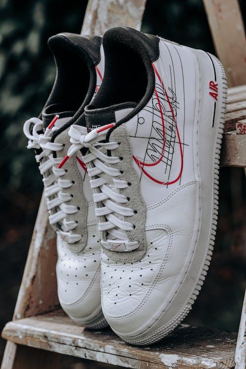 White Nike Air Force 1
