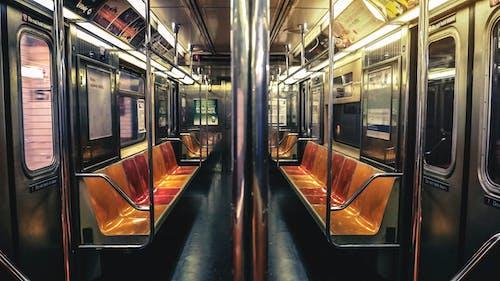 Foto d'estoc gratuïta de buit, lloc públic, metro, passatger