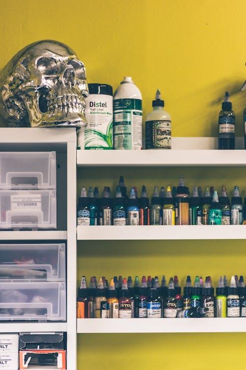Kostnadsfri bild av bläck, silverhodeskalle, skalle, tatueringsfärg