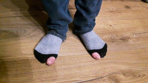 Free stock photo of amusant, chaussettes, les enfants pauvres
