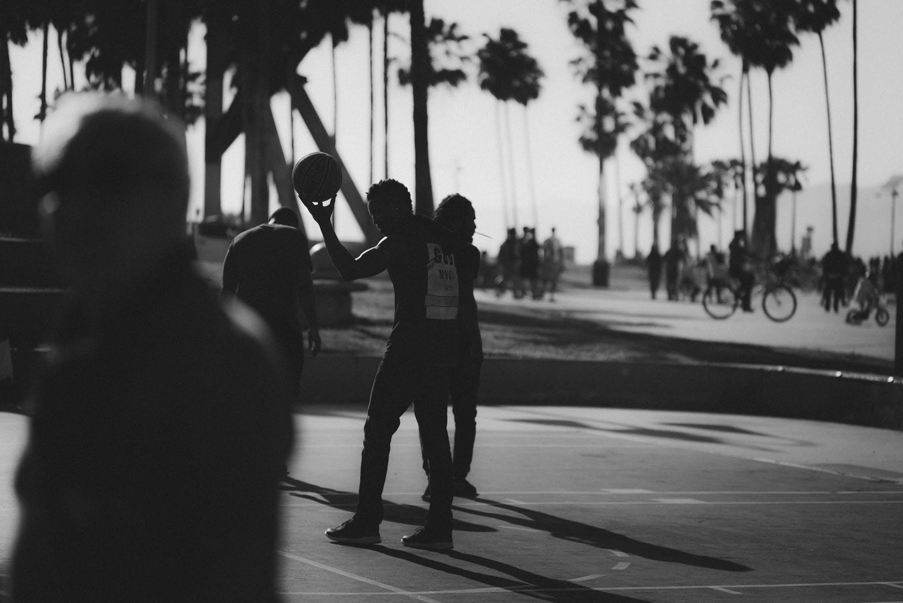 Fotobanka sbezplatnými fotkami na tému akcia, basketbal, čiernobiely, čierny abiely