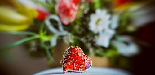 Darmowe zdjęcie z galerii z biżuteria ślubna, czerwone serce, czerwony, dla dziewczyny