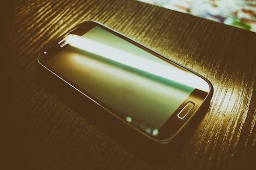 Základová fotografie zdarma na téma černá, chytrý telefon, dotyk, elektronika