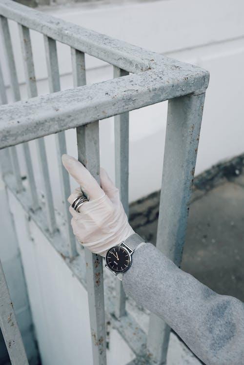 sars冠状病毒2, 乳胶手套, 冠状病毒, 围栏 的 免费素材图片