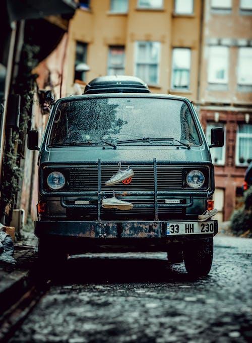 คลังภาพถ่ายฟรี ของ araba, eski sokak, karavan, sokak