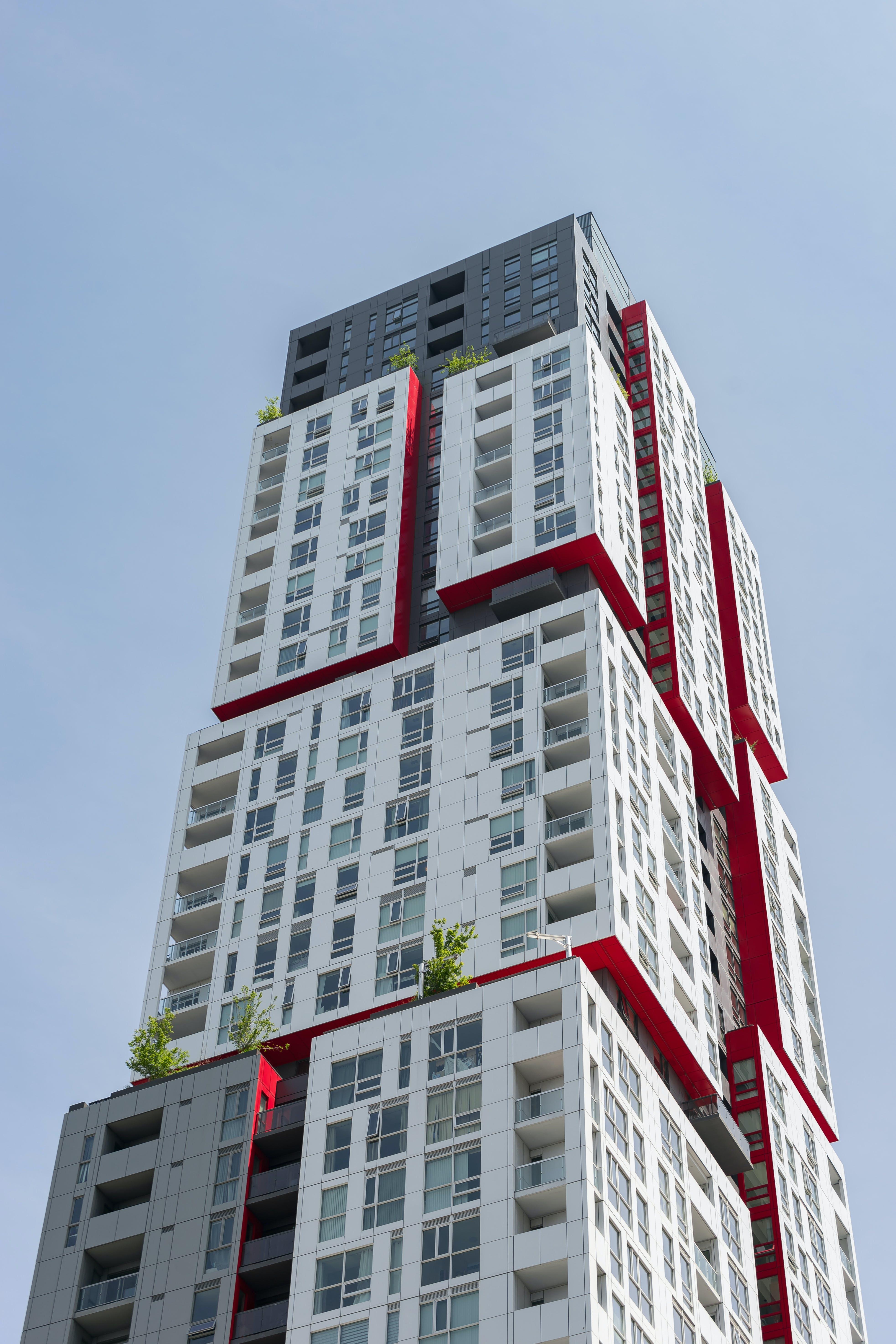 Foto profissional grátis de aparência, apartamento, balcão, céu