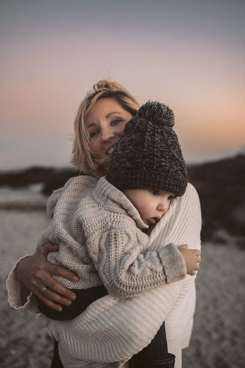 Foto stok gratis anak, bayi, bersama