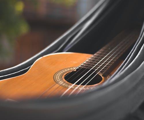 Foto stok gratis detail gitar, gitar, gitar akustik