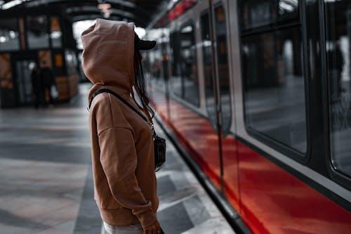 Základová fotografie zdarma na téma autobus, calo le portrét, čekat, centrum města
