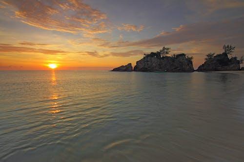 Immagine gratuita di acqua, alba, calma, cielo