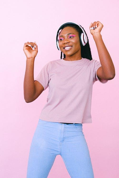 Kostenloses Stock Foto zu afroamerikaner-frau, dame, erwachsener