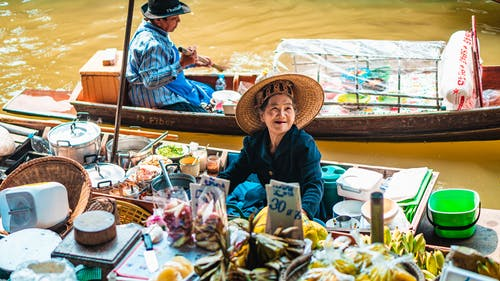 Darmowe zdjęcie z galerii z budka, dorosły, festiwal, handel