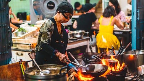 Fotos de stock gratuitas de adulto, Bangkok, batería de cocina, calle