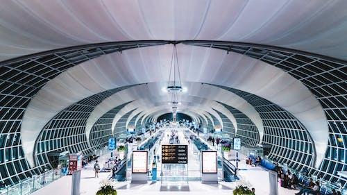 Fotos de stock gratuitas de adentro, aeropuerto, arquitectónico, arquitectura