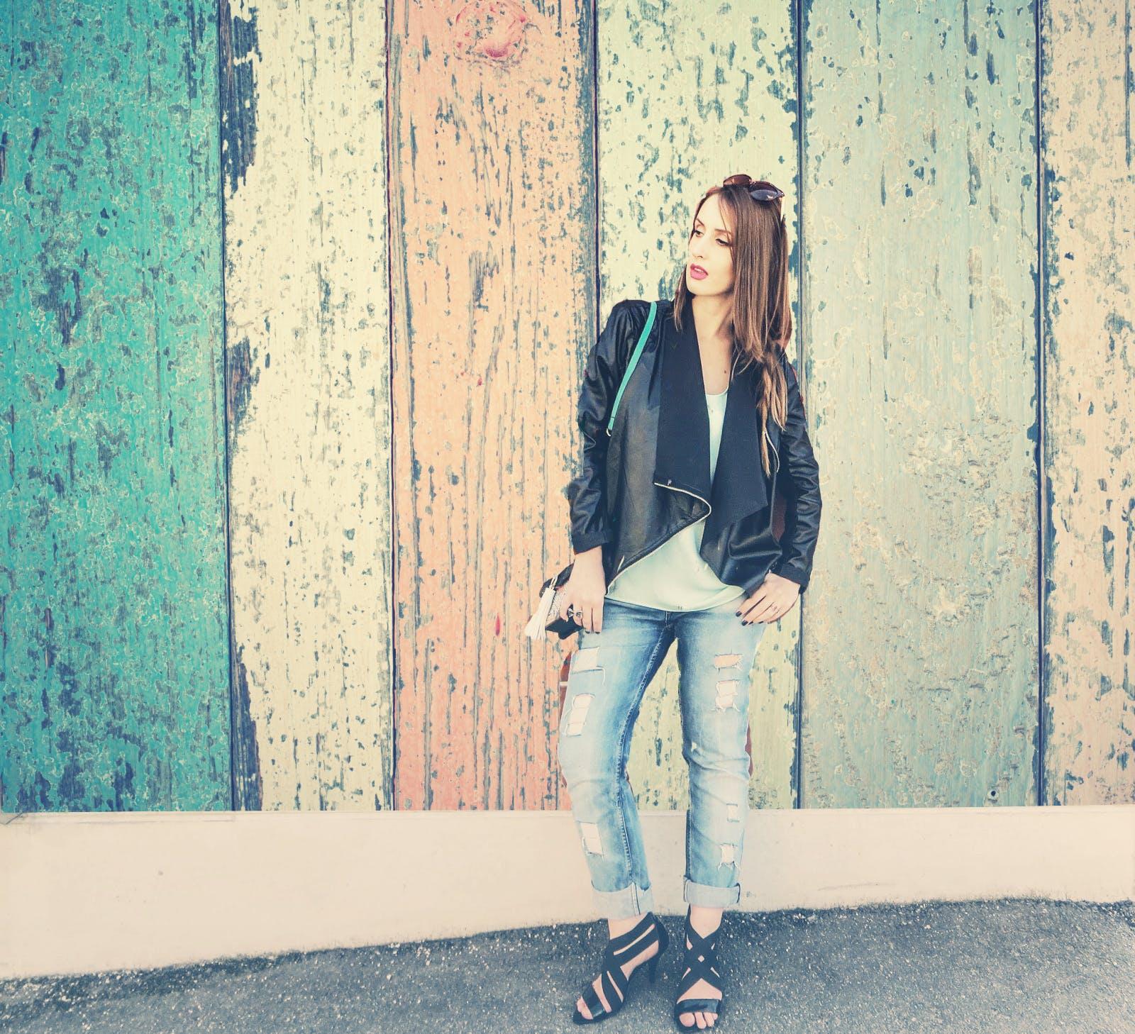 bunda, džíny, holka