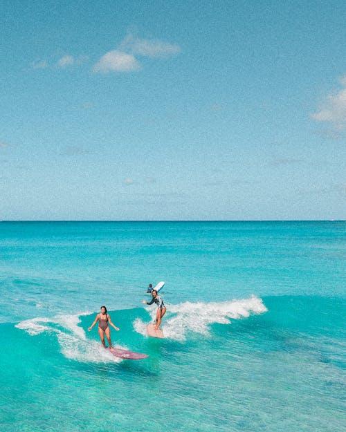 Δωρεάν στοκ φωτογραφιών με oahu, Surf, waikiki, γνέφω