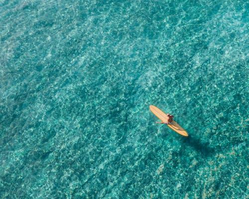 Ilmainen kuvapankkikuva tunnisteilla aallot, aurinko, drone-kamera