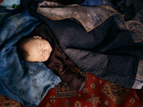 Darmowe zdjęcie z galerii z azjatycki, bezpieczeństwo, całe ciało, ciepły