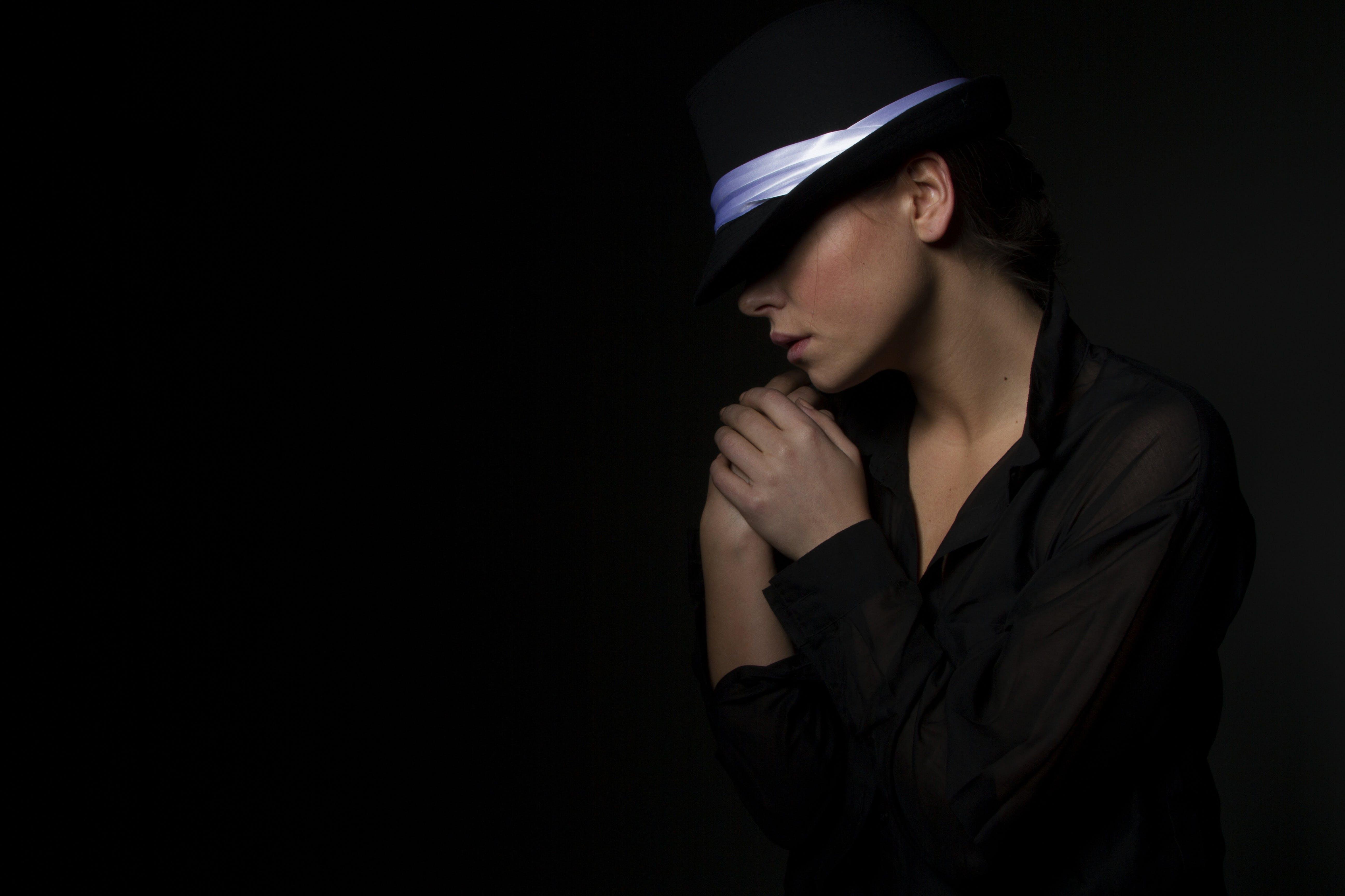 Foto d'estoc gratuïta de adult, barret, bellesa, bonic