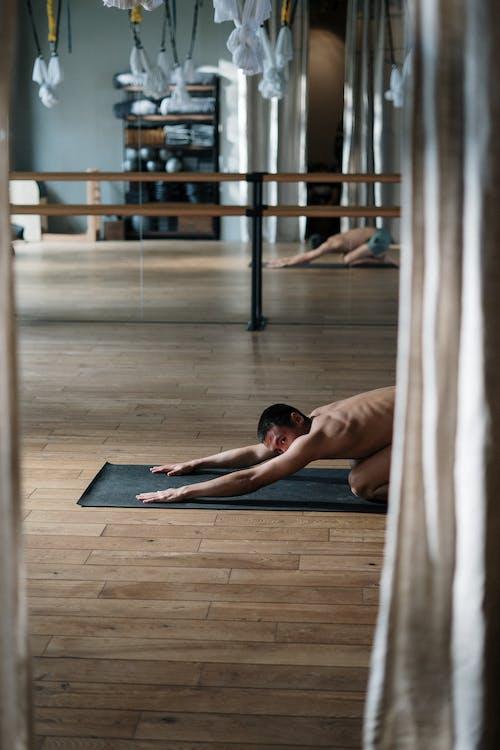 Darmowe zdjęcie z galerii z azjatycki, chłopak, ćwiczenie