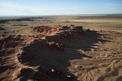 Rocky desert landscape in bright sunlight