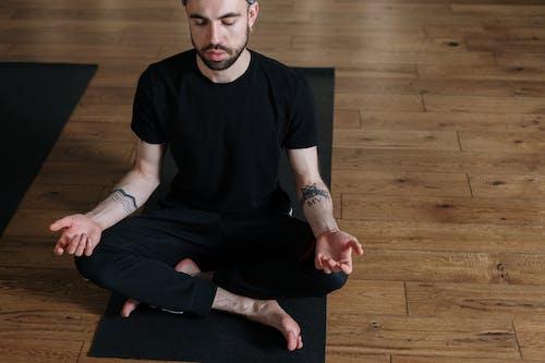 Darmowe zdjęcie z galerii z chłopak, ciało, ćwiczenie