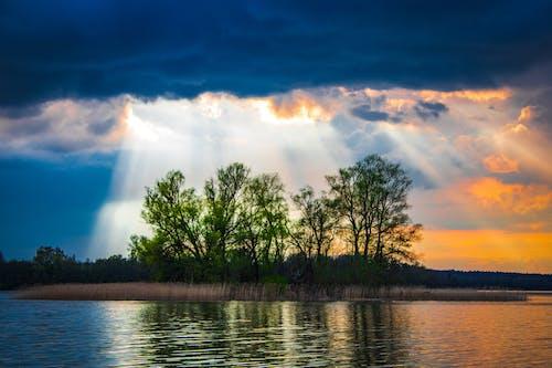 Free stock photo of chmury, chmury niebo, drzewa, jezioro
