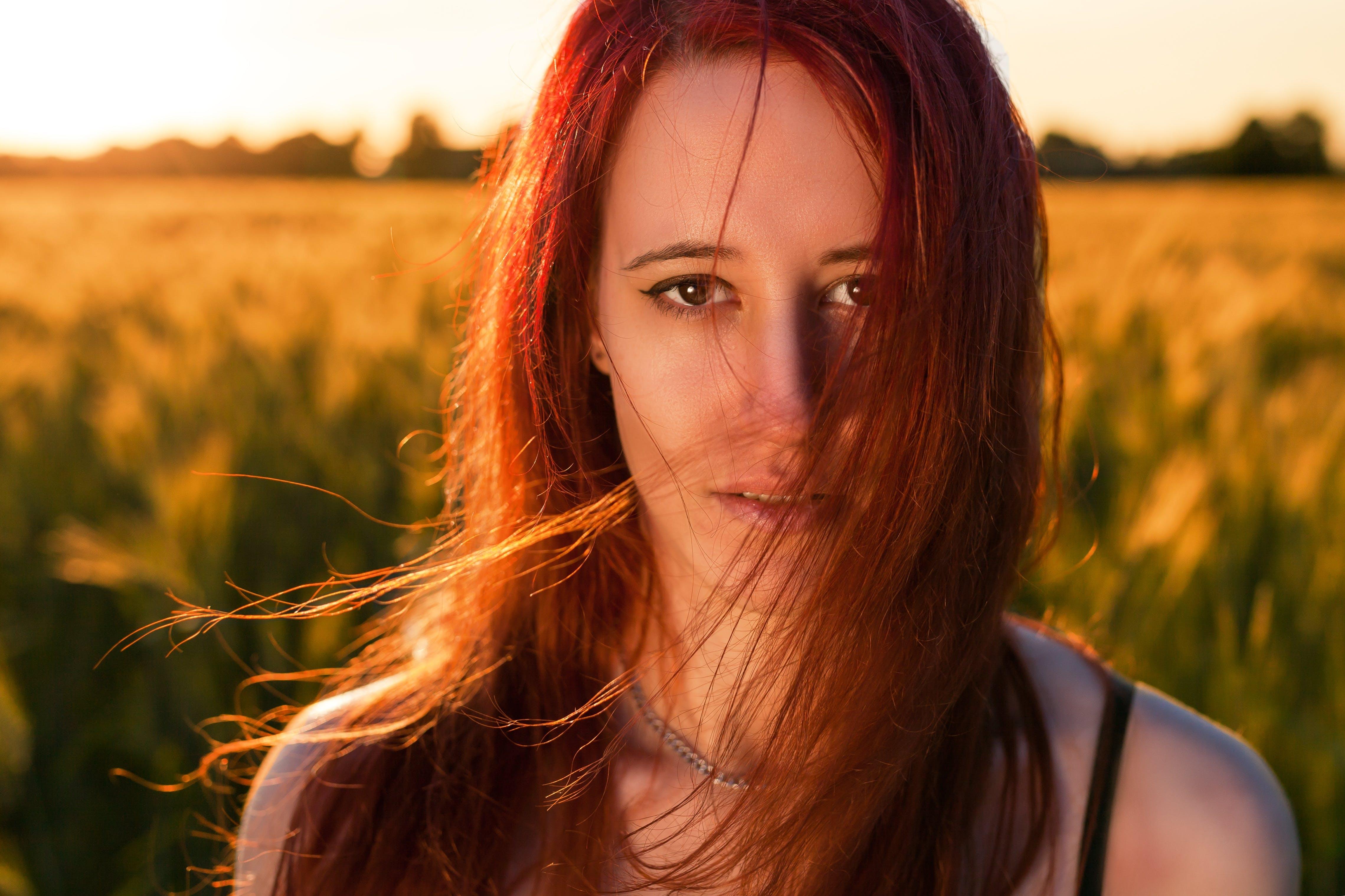 Darmowe zdjęcie z galerii z dziewczyna, fryzura, kobieta, lato