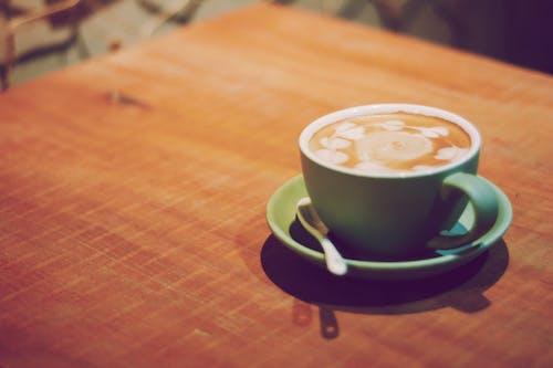 Darmowe zdjęcie z galerii z cappuccino, drewniany, drewno, drink