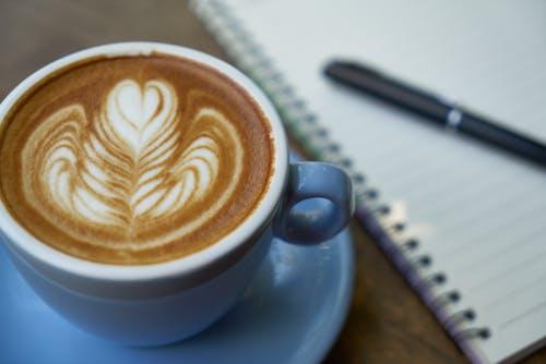 Kostnadsfri bild av anteckningsbok, bakgrund, brun, cappuccino
