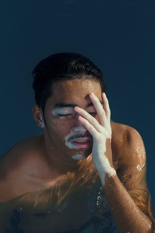 H2O, アジア人男性, アスリート