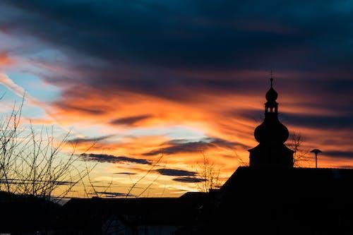 Бесплатное стоковое фото с архитектура, восход, деревья, живописный