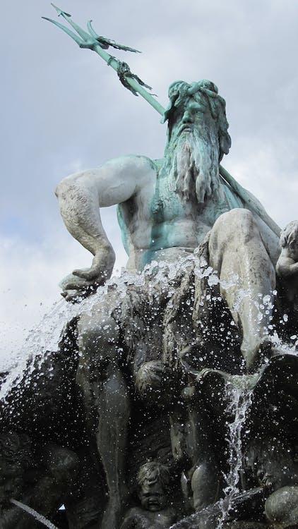 Alexanderplatz, berlin, fountain