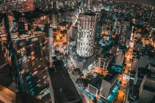 Ilmainen kuvapankkikuva tunnisteilla arkkitehtuuri, ilmakuva, ilta, kaupungin valot