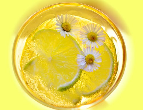 bardak, Çiçekler, dilim, Ekşi içeren Ücretsiz stok fotoğraf