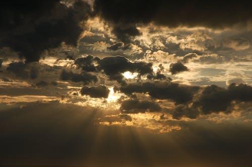 Gratis lagerfoto af aften, bagbelyst, dramatisk, himmel