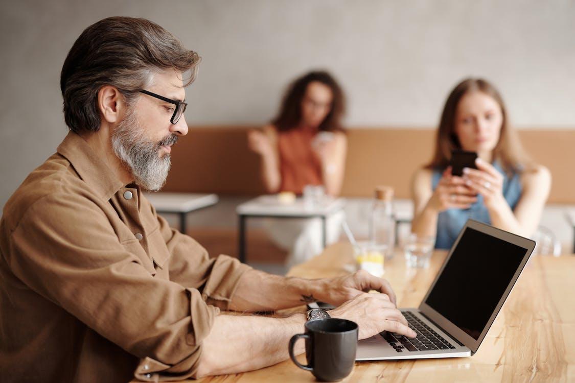 Immagine gratuita di alla ricerca, businessman, caffè