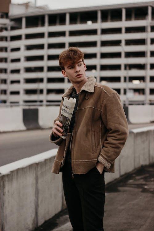 Foto profissional grátis de 20-25 anos de idade homem, abrigo, adulto, agasalho