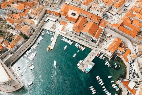 Gratis arkivbilde med arkitektur, båt, båthavn