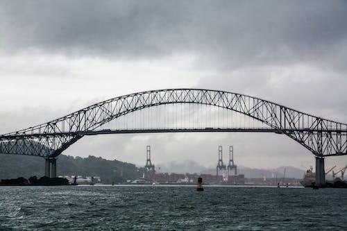Foto stok gratis baja, jembatan, jembatan tua, kabel suspensi