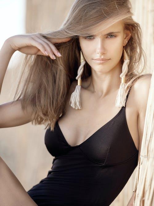 Immagine gratuita di capelli biondi, capelli lunghi, carino