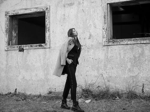 Δωρεάν στοκ φωτογραφιών με γυναίκα, εγκαταλειμμένος, ενήλικος, κλειστα ματια