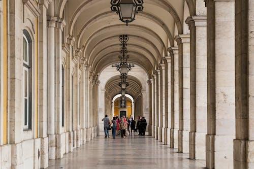 Foto stok gratis koridor, Lisbon, pandangan, perspektif