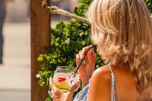 Kostnadsfri bild av blond, dricka, dryck, gin
