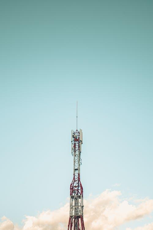 Gratis lagerfoto af antenne, blå himmel, by