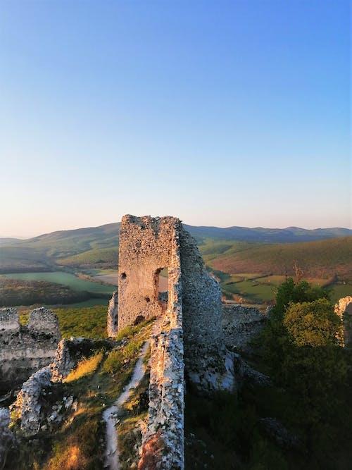 Foto profissional grátis de castelo, castelo velho, Eslováquia, natureza